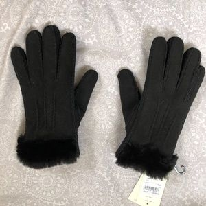 UGG exposed sheepskin fur lined glove